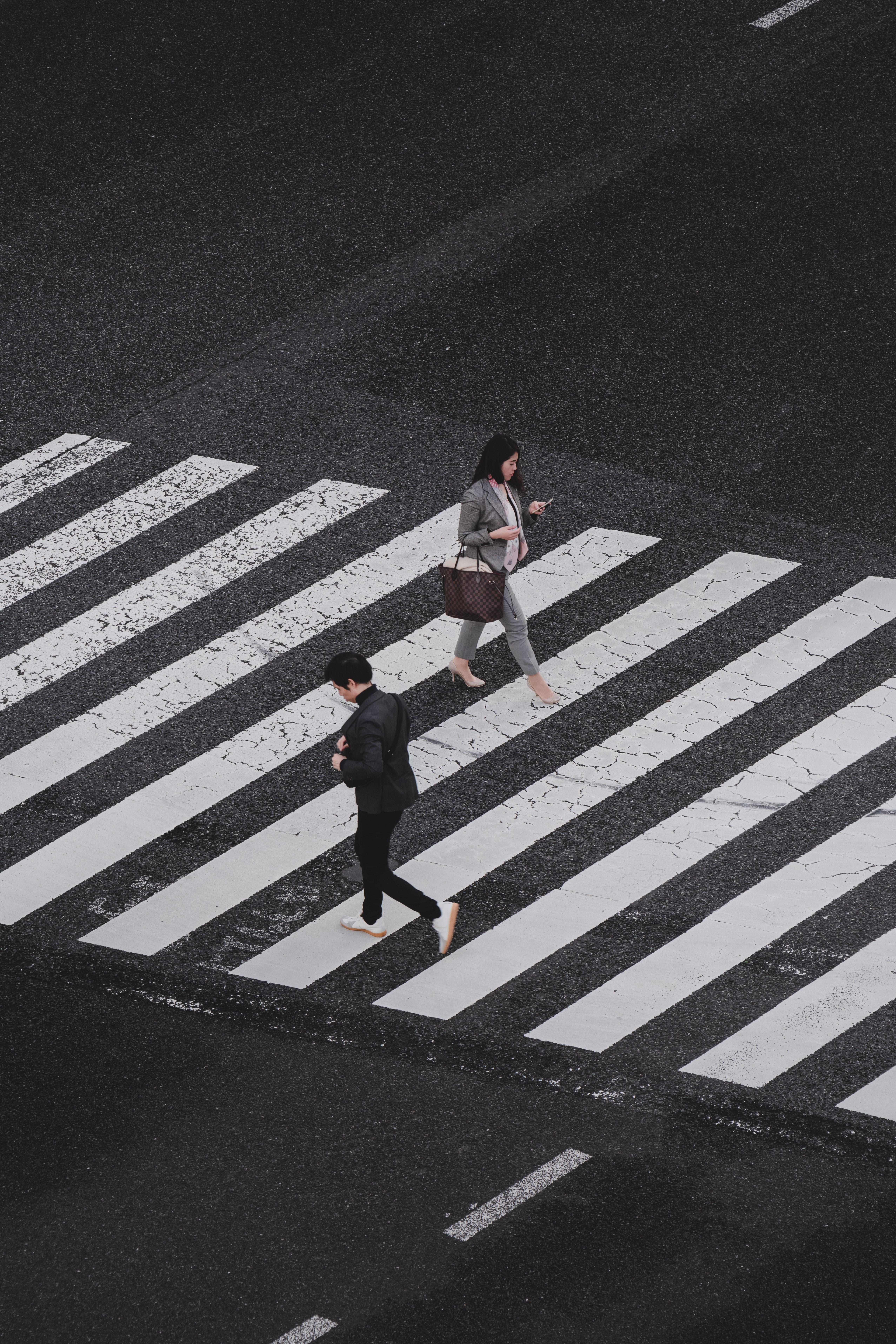 ryoji-iwata-1331938-unsplash